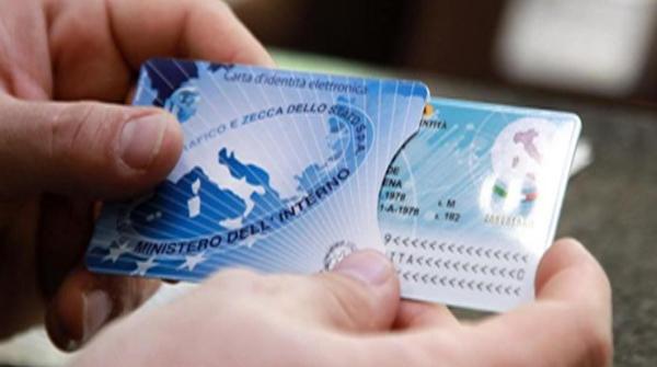 Carta d'identità elettronica Come averla quanto costa