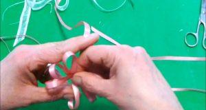 Come fare un fiocco perfetto doppio con nastro di raso [Fai Da Te]